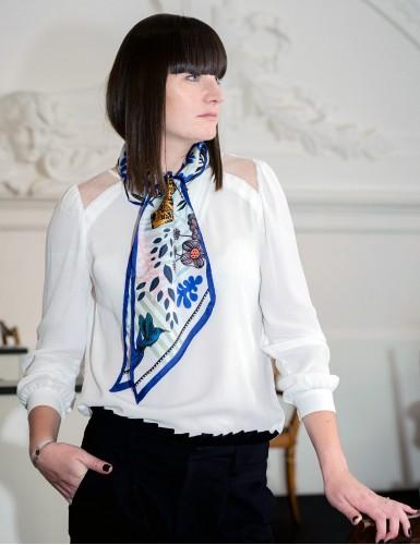 Tangalle bleu sash scarf - neck