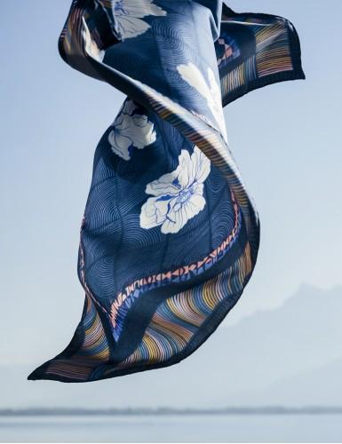 Carre 90 Maehama bleu - detail