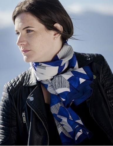 Foulard magique Santorin bleu - neck