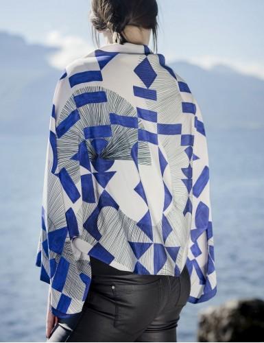 Foulard magique Santorin bleu - worn back