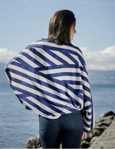Foulard magique Ouessant bleu marine - worn back
